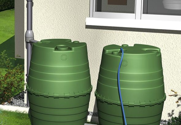 zbiralnik za deževnico, okrasni zbiralniki za deževnico, okrasni rezervoarji, glineni zbiralniki za deževnico, posoda za deževnico, zbiralnik deževnice za zalivanje, moderni in lepi zbiralniki za deževnico, zbiranje deževnice pod žlebom, zbiranje deževnice s strehe, zbiranje deževnice žleb