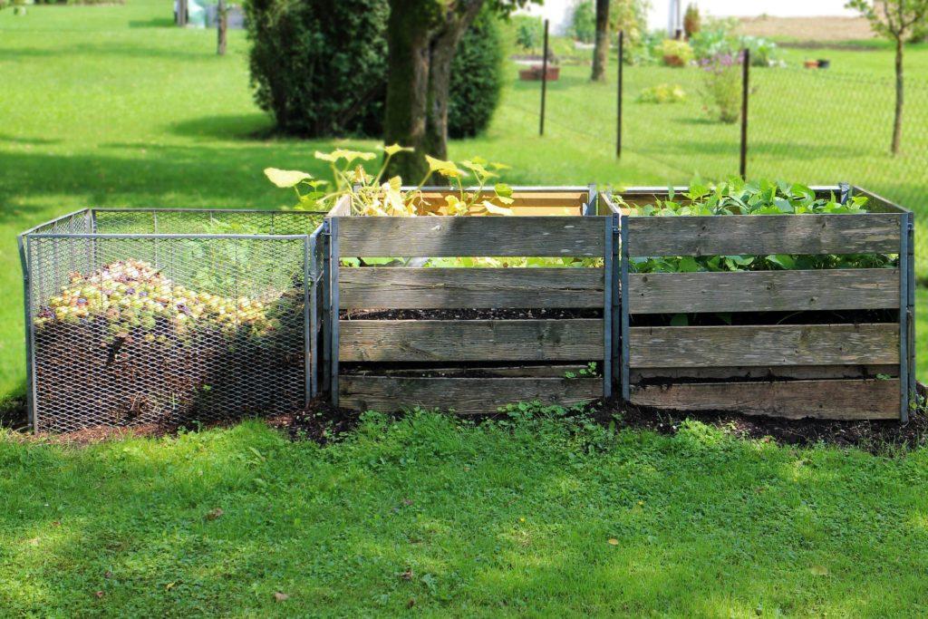 Kompostnik, kompost, zelenjavni vrt